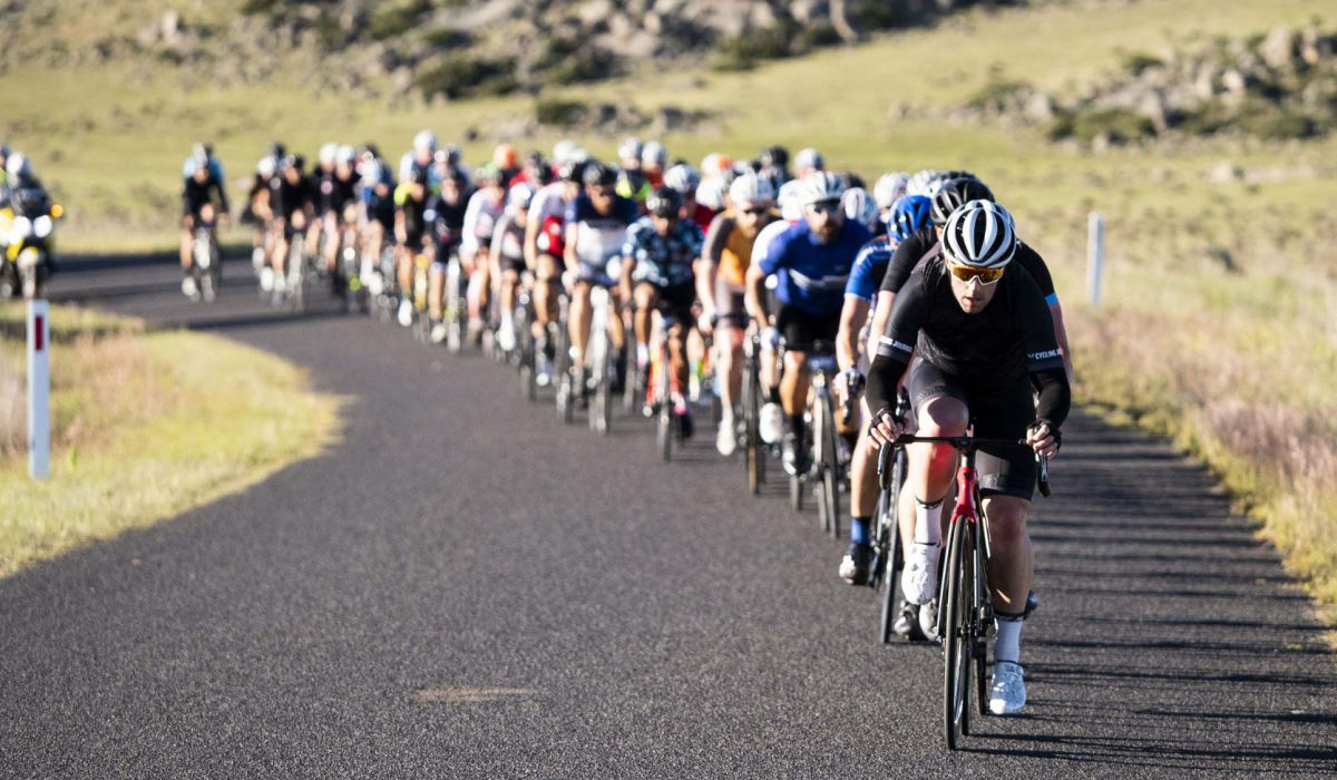 Bunch riding skills to help you keep safe at the L'Étape Australia – Cycling-inform